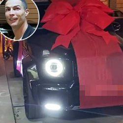 رونالدو يفاجأ بسيارة مرسيدس ب150 ألف $ من صديقته جورجينا بعيد ميلاده