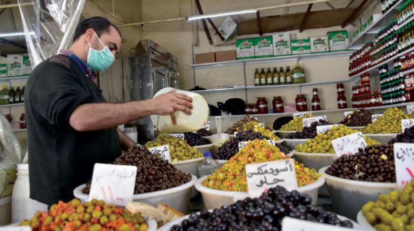 «كورونا» وغلاء الأسعار يضاعفان معاناة السوريين
