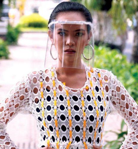 عارضة ترتدي زياً مستوحى من «الفيروسات التاجية»في  مدينة يوجياكارتا إندونيسية وماذا لو كان الفن من صنع البط؟