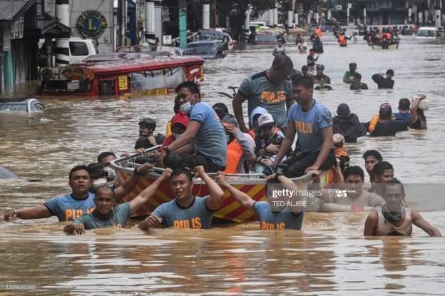 """استنفار و استعدادات في فيتنام لمواجهة إعصار """"فامكو """""""