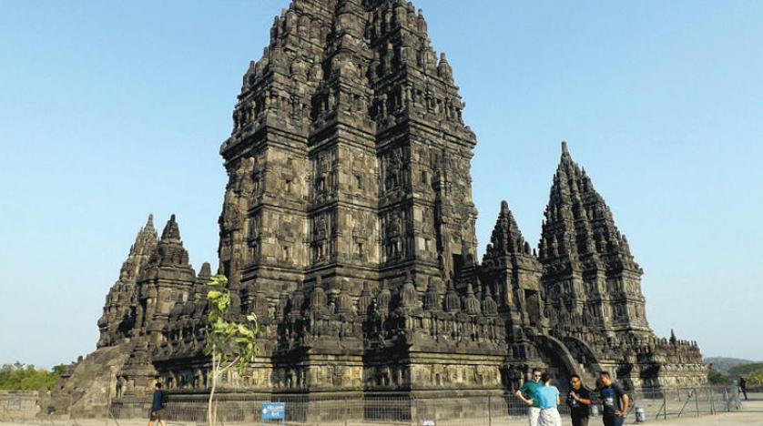 برامبانان الإندونيسي يزيد عدد السيّاح خلال الأعياد