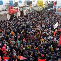 """تونس في """"مفترق طرق"""" في الذكرى العاشرة لاندلاع ثورة الياسمين"""