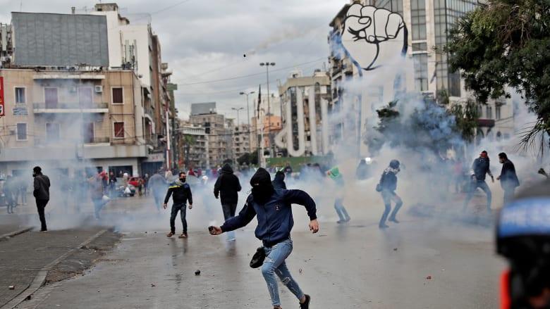 التأليفُ صار فعلاً بتواصل اشتباكات الشارع على نارٍ حامية بين محتجين وقوى الأمن في طرابلس لليوم الرابع