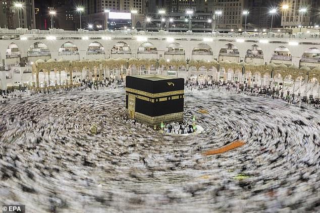 يوسف الدموكي: في الإسراء والمعراج.. رحلةٌ مع النبي
