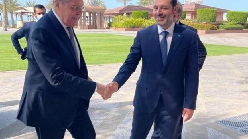 الحريري يلتقي لافروف في أبو ظبي والرئاسة اللبنانية تنفي سحب تكليفه