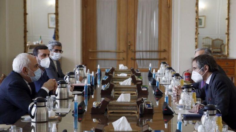 صحف اليوم:الاتفاق النووي بين خطر الخيار العسكري وقلق التودد لإيران وشرطة الأردن تستخدم الغاز المسيل للدموع وسوريه ترفع اسعار الوقود واستهداف قاعدة عسكرية عراقية