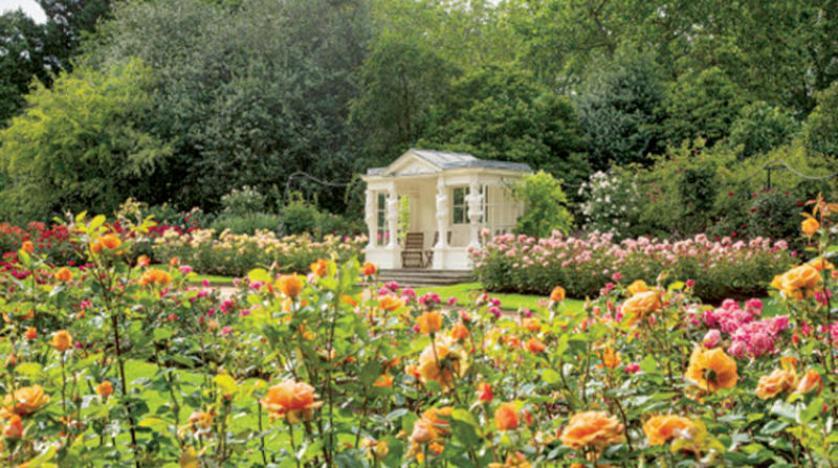 حدائق قصر باكنغهام تفتح أبوابها أمام الجمهور للتنزه في الصيف