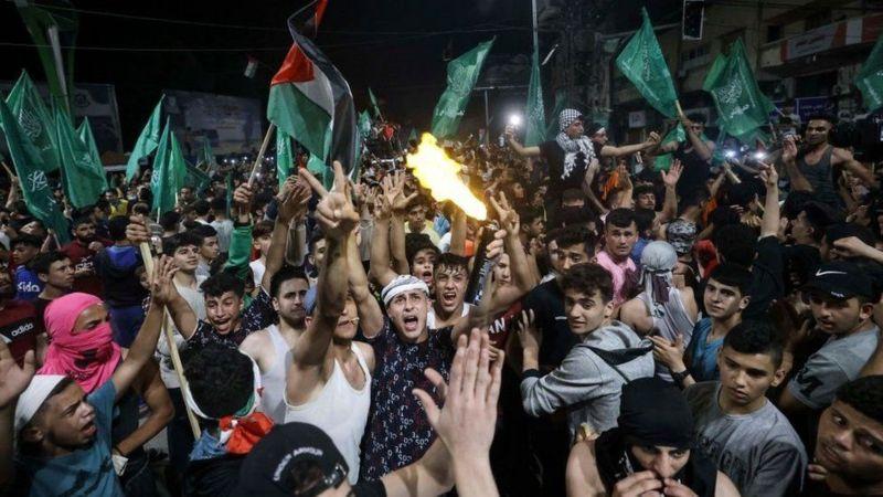 """صحف:عودة الإغراءات الاقتصادية لواشنطن وتزايد الدعم"""" لحركة حماس واستمرار الاحتجاجات في عُمان، واستبعاد لاريجاني ونجاد من قائمة المرشحين"""