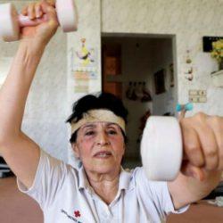 شغف مُسنة سورية بالرياضة يمتد «من المهد إلى اللحد»