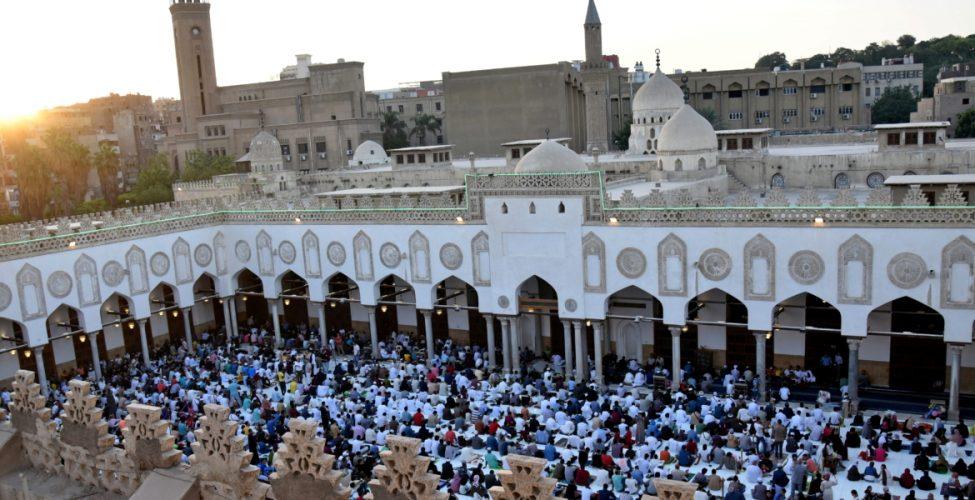 صحف:زعماء العالم يهنئون المسلمين بعيد الأضحى المبارك..ورئيس مالي يتعرض لهجوم أثناء صلاة العيد، وصواريخ تثير ذعر مصلين في القصر الرئاسي بأفغانستان