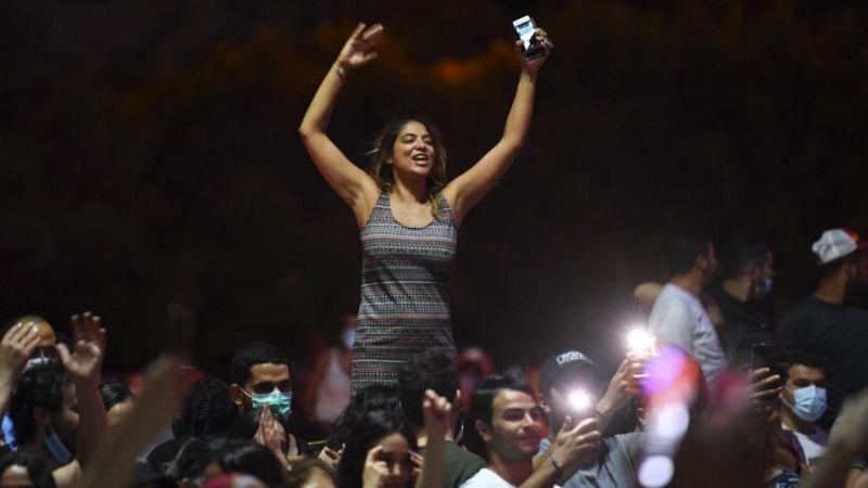 صراع على السلطة بين الديمقراطية والاستبداد في تونس ورحيل ميسي