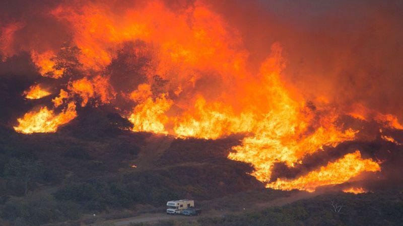 """تغير المناخ: الاحتباس الحراري وموجات الحر والحرائق """"إنذار"""" للبشرية"""