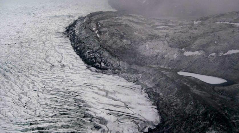 «غرينلاند» تفقد في يوم واحد جليداً يغمر ماؤه فلوريدا