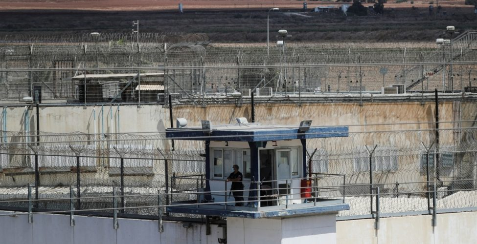 """كشف """"تفاصيل مذهلة"""" في عملية هروب الأسرى الفلسطينيين"""