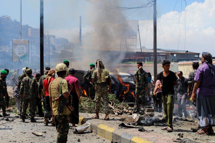اخر الاخبار:هجوم استهدف محافظ عدن ووزيراً يمنياً..ووفاة مهندس البرنامج النووي الباكستاني عبد القدير خان