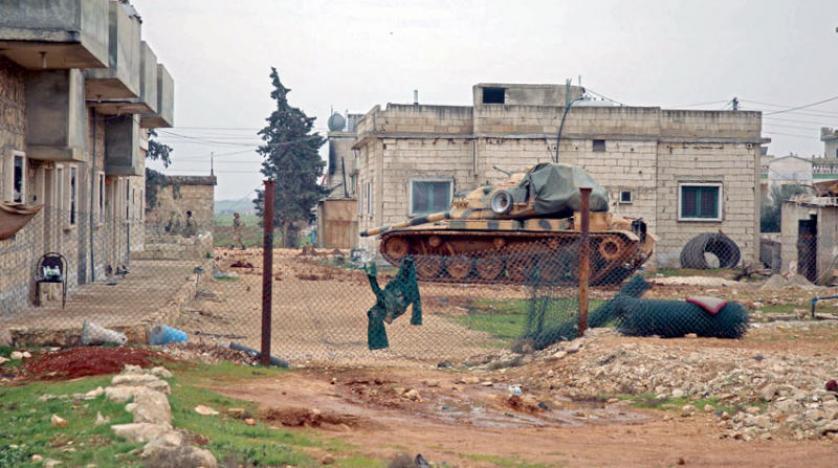 تمسك روسي بـ«تحميل المسلحين مسؤولية التصعيد» في إدلب ووساطة روسية بين الطرفين شرق الفرات بعد أول احتكاك سوري مع الدوريات الأميركية