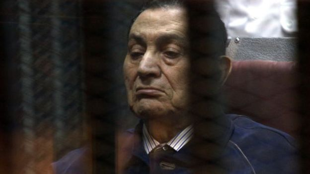 الصحف البريطانية: لم يتوقع أحد أن يتمكن مبارك من حكم مصر لثلاثة عقود