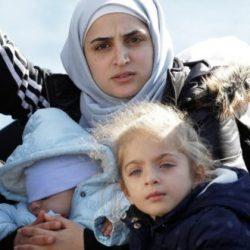 ما علاقة اللاجئين السوريين بقصف روسيا للجيش التركي في إدلب؟الابتزاز واسراره