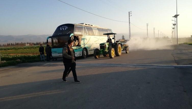 """لبنان: """"هير كات صحي""""وإعادة حافلة من معبر القاع إلى سوريا للاشتباه بإصابة راكبة بـ""""كورونا"""""""