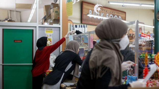 """صحف واقتصاد اليوم 24.04.2020الملايين """"سيجوعون في رمضان"""