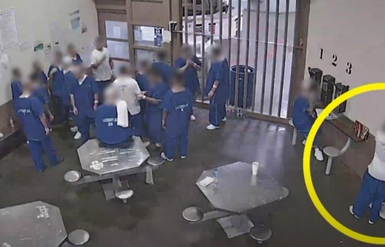 """صحف اليوم 12.05.2020كورونا: سجناء أمريكيين يستنشقون من كمامة واحدة,والوباء يصل إلى الكرملين والصحة العالمية تصفه بـ""""المُربك"""""""