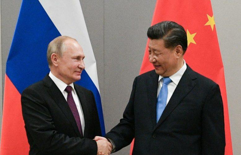 """""""كل شيء بدأ بسوريا"""".. كيف جعل ترامب الصين وروسيا تتنمران على أمريكا؟"""
