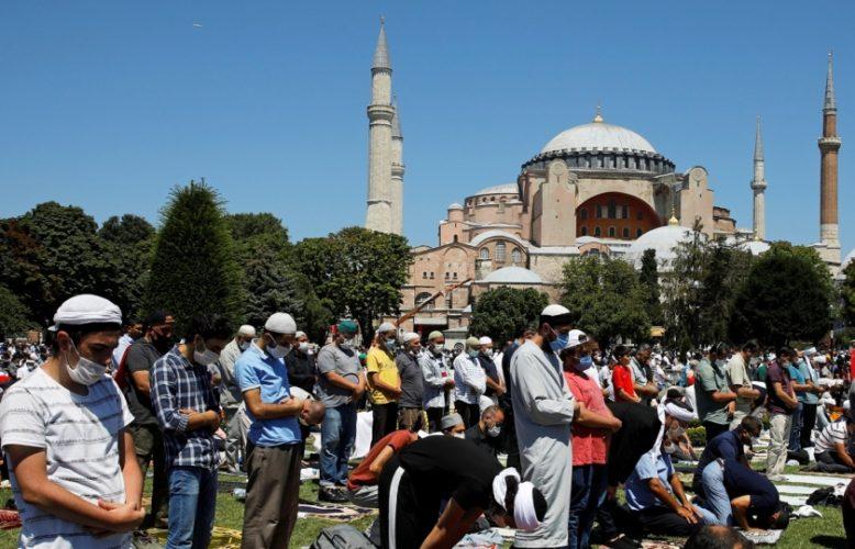 """صحف اليوم:جمعة آيا صوفيا وأول صلاة بعد تحويله إلى مسجد و هل السيسي هو """"عبد الناصر"""" القرن ال21؟"""
