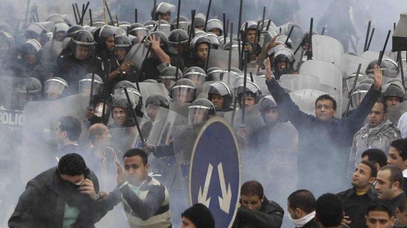 """الربيع العربي : في ذكراه العاشرة""""غضب متفجر وأحلام محطمة""""والحرب في سوريا: هل تسمح إدارة جو بايدن بتوسع """"النفوذ"""" الإيراني"""
