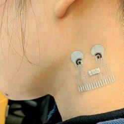 رقعة جلد قابلة للارتداء لقياس ضغط الدم وضربات القلب والسكر
