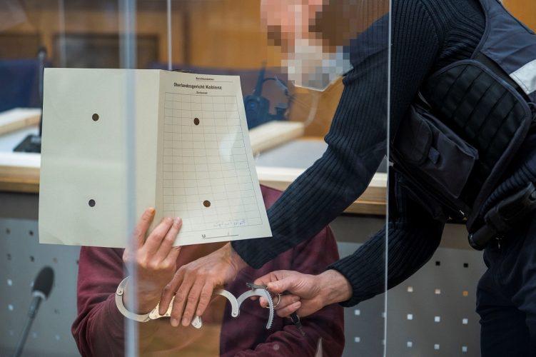 صحف:محكمة ألمانية تصدر حكما تاريخيا ضد مسؤول سابق في المخابرات السورية وهل يصبح بوتين صانع سلام في الشرق الأوسط؟