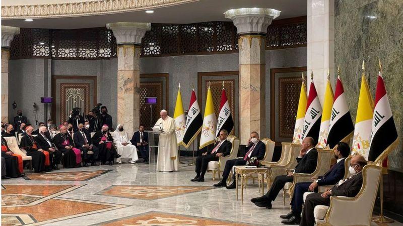 """صحف اليوم:البابا فرنسيس للعراقيين""""فلتصمت الأسلحة ولابد من التصدي لآفة الفساد واستغلال السلطة"""""""