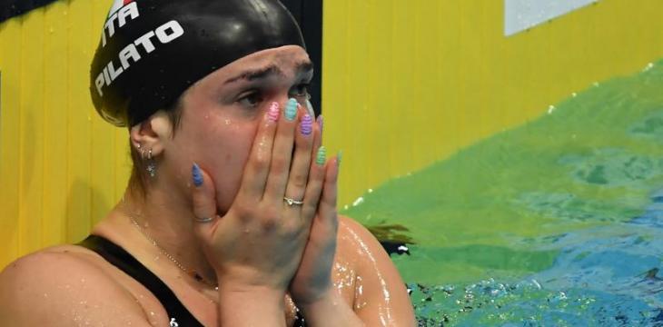 مراهقة إيطالية تحطم الرقم القياسي العالمي في 50 متر سباحة صدر