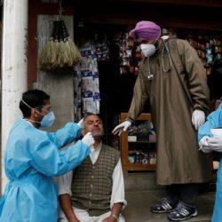 """كورونا: السلطات الهندية تطلب من أطباء كشمير """"مكافحة الوباء في صمت"""" واليونان تكشف أول جواز سفر كورونا وإطلاق سراح القيادي بالحشد الشعبي """"تراجع"""" للدولة العراقية ؟"""