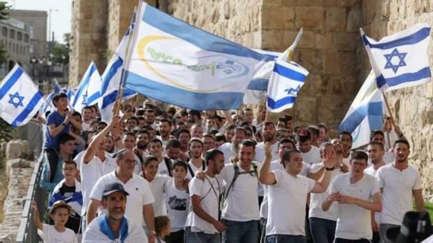 صحف:عشرات القتلى والجرحى في اشتباكات  بدارفوروإلغاء مسيرة لجماعات يمينية إسرائيلية في القدس ونتنياهو: هل يغير رحيله مسار السياسة في إسرائيل