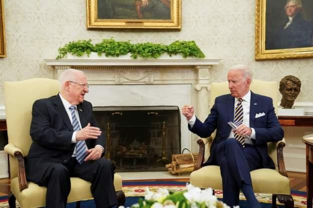 صحف: بايدن يتعهد لإسرائيل بعدم حصول طهران على أسلحة نووية ويحذر حلفاءه بالخليج من إعادة العلاقات مع الأسد وحكم بسجن رئيس جنوب أفريقيا السابق جاكوب زوما