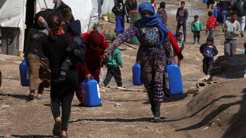 صحف:الهاربون من الحرب يعودون إليها بعد انهيار لبنان ومواجهات في المسجد الأقصى