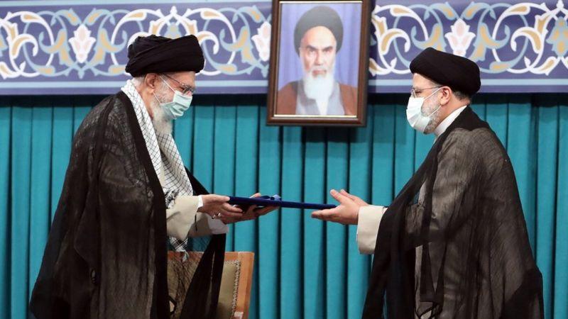 صحف:المنتظر من الرئيس الإيراني الجديد؟ وتعرض سفينة لحادث قرب السواحل