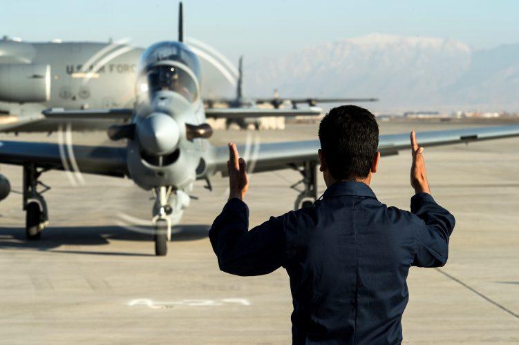صحف:فرار جماعي لخبراء الجيش الأفغاني الكثير! وقصف إسرائيلي «يهز» دمشق وأطرافها
