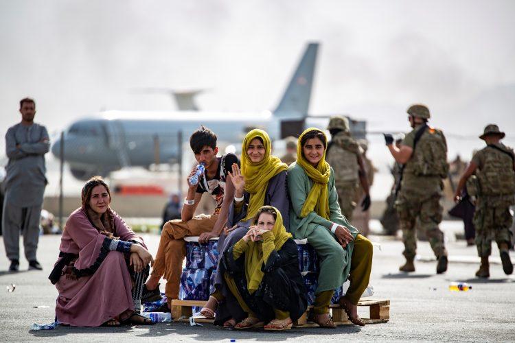 هل ترغب بمطالعة احدث المستجدات العالمية ومنها :آلاف الأفغان قد يُتركون لمصيرهم..