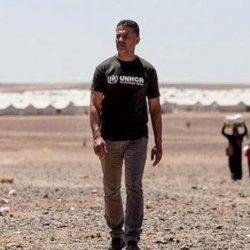 A الأفغاني خالد حسيني ينظر إلى بلاده من بعيد... برعب وحزن صاحب «عداء الطائرة الورقية» و«ألف شمس ساطعة»