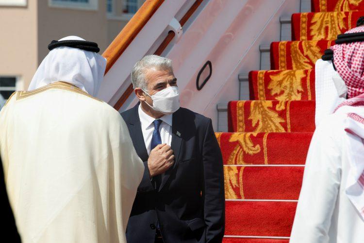 آخر الاخبار:العراق يغلق حدوده خلال الانتخابات النيابية المقبلة، واستئناف الرحلات الجوية بين القاهرة وطرابلس ليبيا بعد 7 سنوات