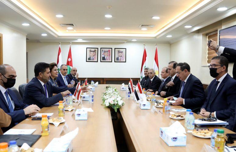 خارطة طريق لإمداد لبنان بالوقود وتغطية فلسطينية على هروب الأسرى وهل يتحمل الأردن تكاليف درعا