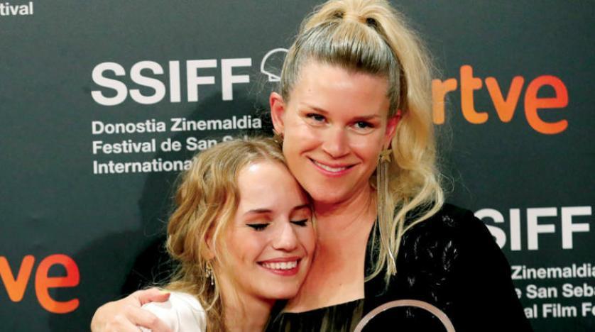 النساء يحصدن جوائز «سان سيباستيان» و«بلو مون» أفضل فيلم